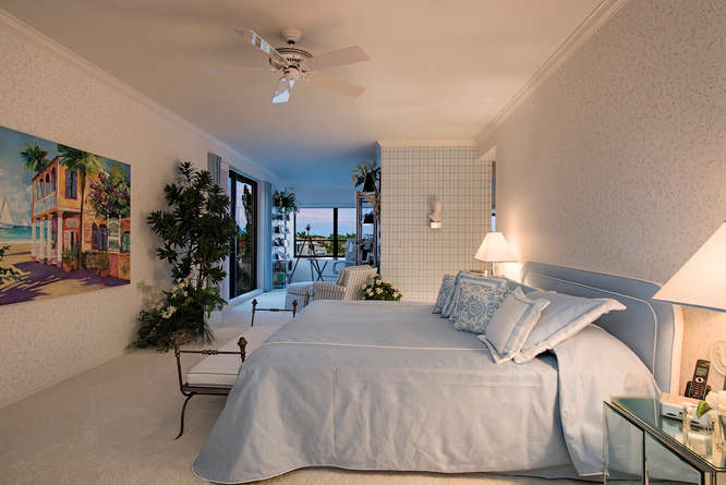 Rarely Available Pent House-small-007-Master Bedroom-666x445-72dpi